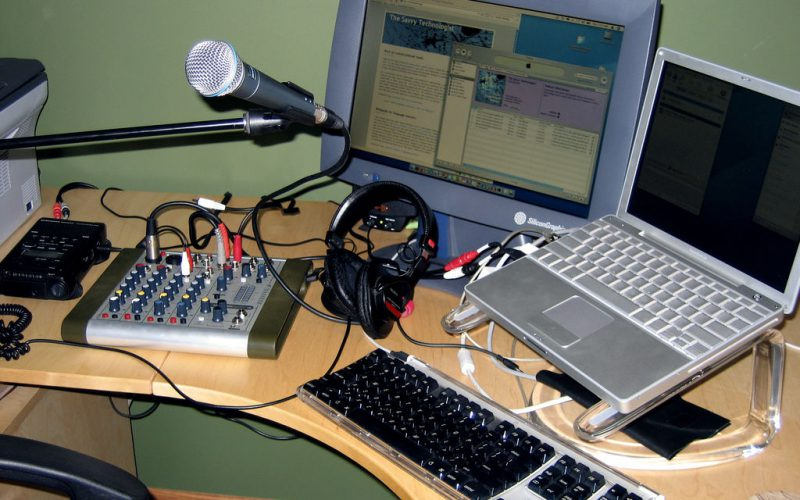 Escuchar Podcast estimula la mente